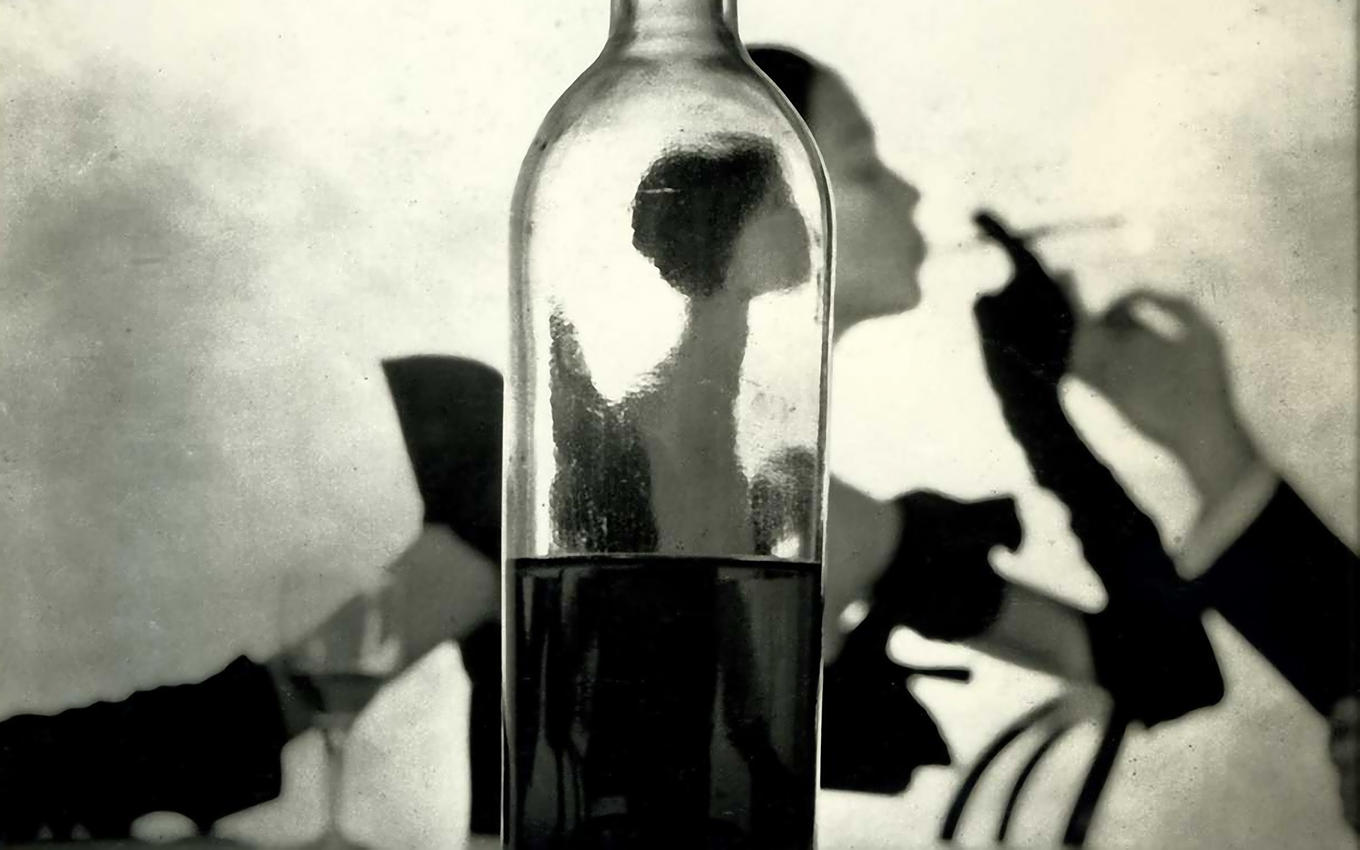 women-smoking-bottles-wine-monochrome-HD-Wallpapers