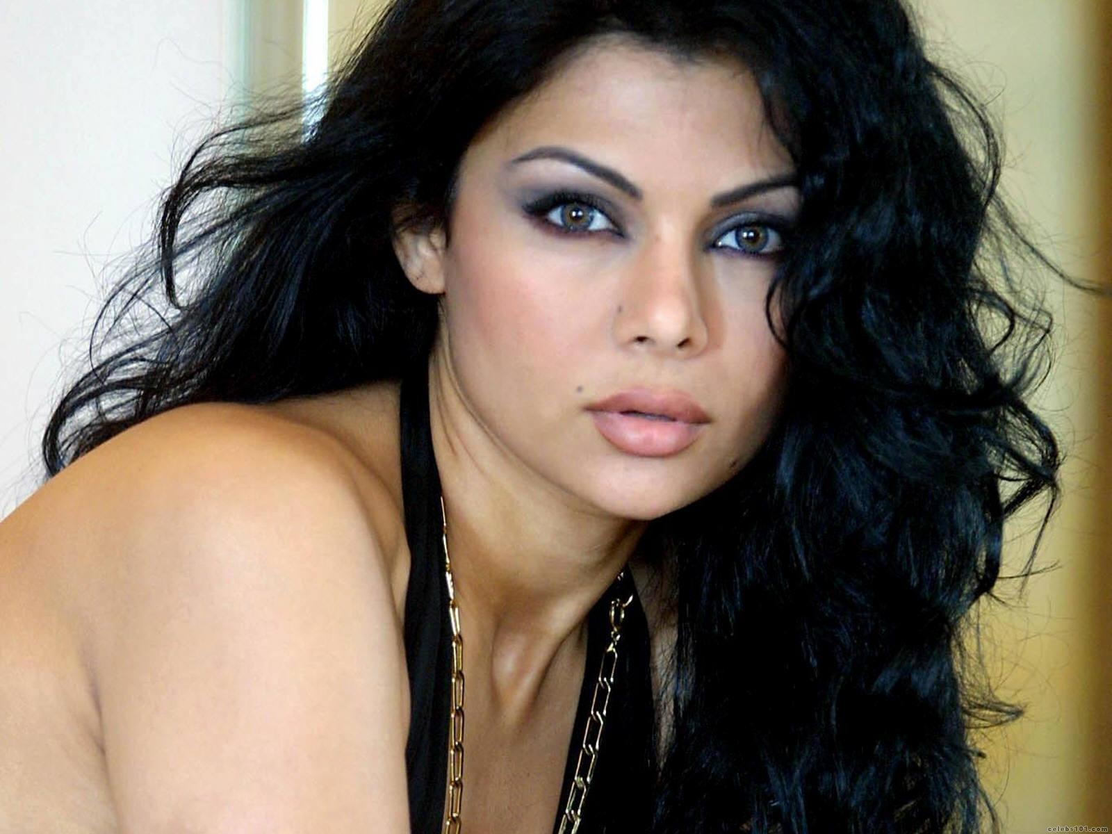 Lebanese woman is in top 10 of the most beautiful - Glamroz