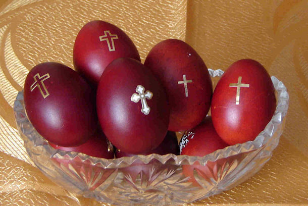 greek-red-easter-eggs